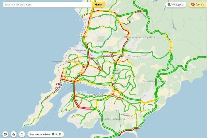 Пробки во Владивостоке достигли восьми баллов