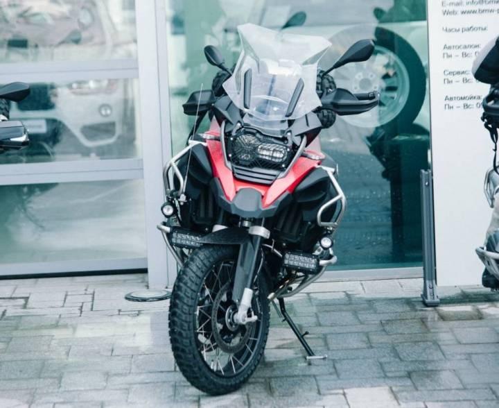 Житель Приморья заплатил 100 тысяч рублей за несуществующий мотоцикл