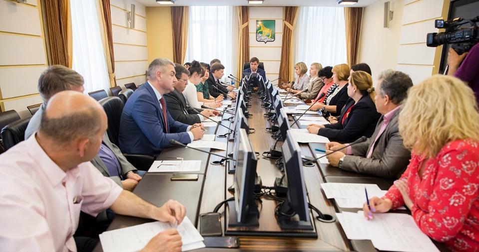 Мэр Владивостока намерен защитить предпринимателей от «крыши»