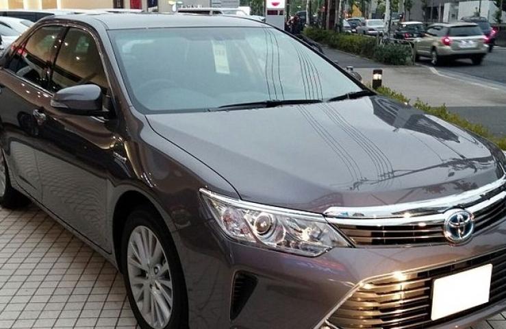 Во Владивостоке неизвестные подожгли припаркованный автомобиль