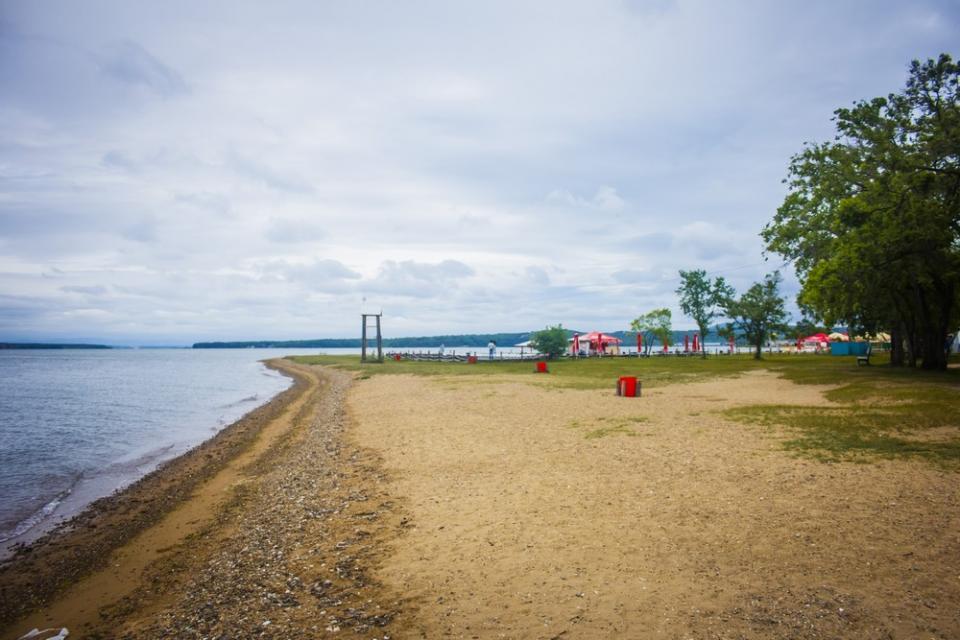 «Ни души»: пляжи Владивостока пустуют