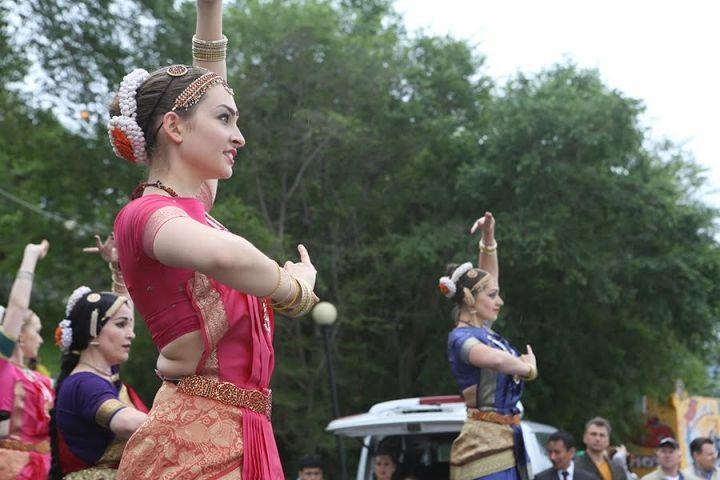 Во Владивостоке отметили Международный день йоги