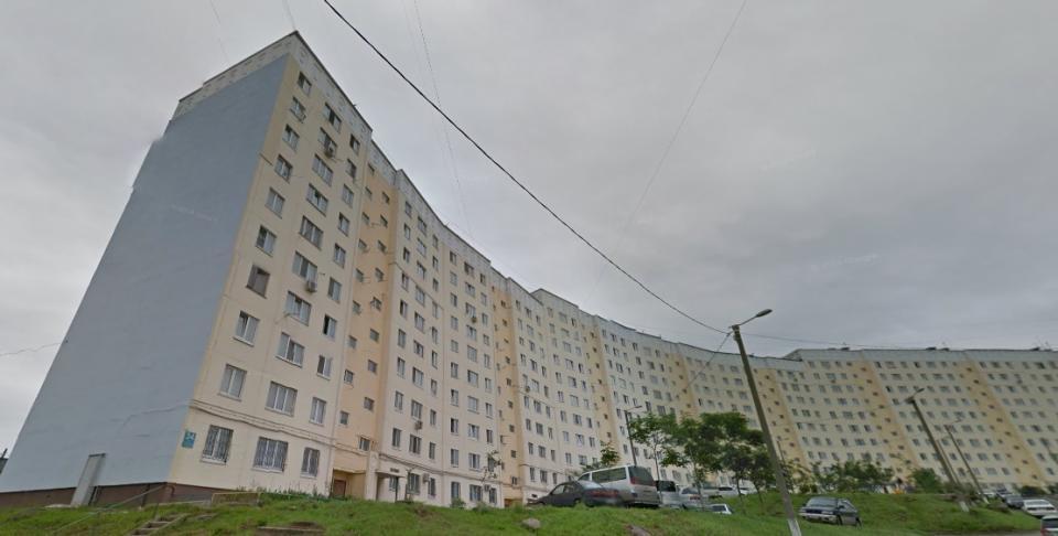 Подозрительная коробка стала причиной оцепления жилого дома во Владивостоке