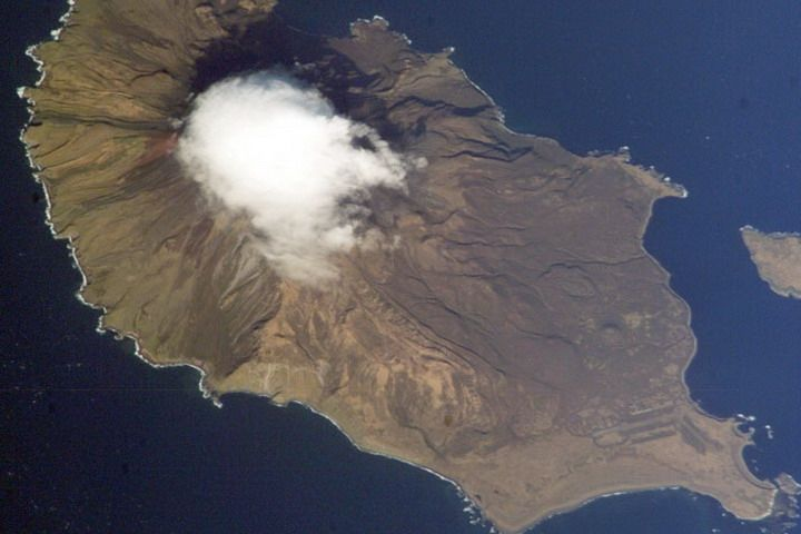 В курильских водах найдены обломки японского истребителя