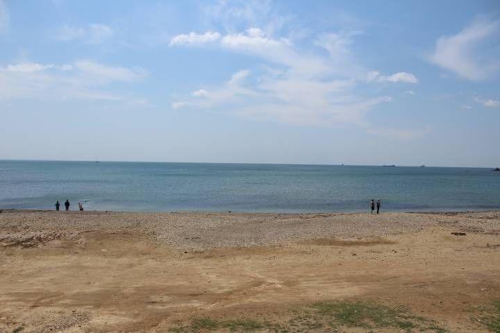 «Дань» на въезде стали собирать на популярном пляже Приморья
