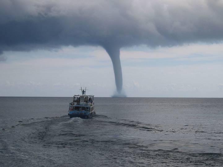 Эксперт прогнозирует град и торнадо в Приморье