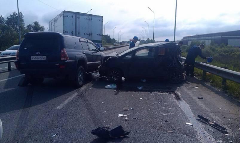 Полиция: в результате ДТП возле аэропорта Владивостока пострадали два человека