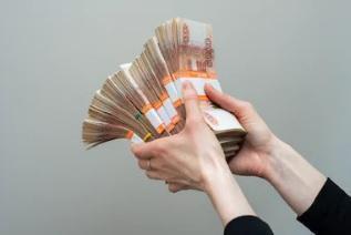 Лжепредпринимательница из Приморья незаконно перевела за границу 90 млн рублей