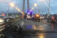 Появились подробности тяжелого ДТП с огнем на Русском мосту