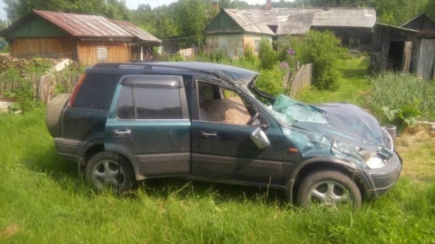 В Приморье водитель не справился с управлением и улетел в кювет