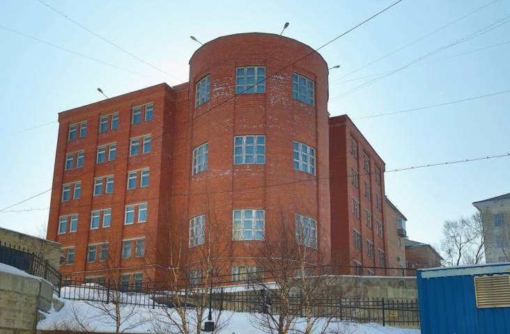 ДВФУ не смог продать здание Корейского колледжа за 156 млн рублей