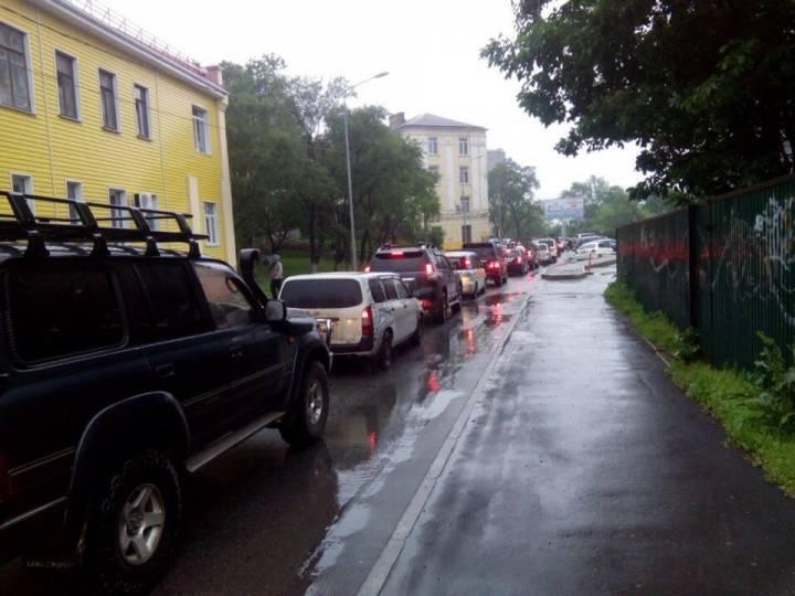 Выезд с Эгершельда в центр Владивостока заблокирован