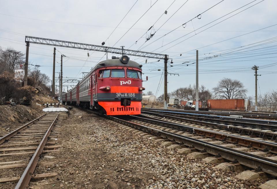 Почти 40 детей попались за опасными играми на железной дороге во Владивостоке