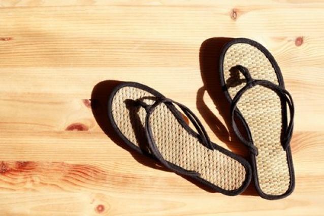 Эксперты рассказали, какую обувь нельзя носить водителям