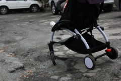В Приморье женщина едва не отправила своего ребенка под колеса огромной фуры