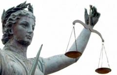 В Приморье во время вынесения приговора подсудимый решил покинуть зал суда через окно