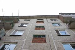 Во Владивостоке маму выпавшей из окна девочки привлекут к ответственности