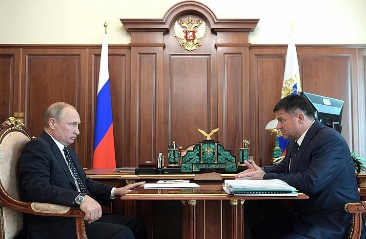 Андрей Тарасенко поднял жилищную проблему детей-сирот в Приморье на встрече с президентом РФ