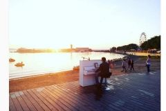 Пианино появилось на главной набережной Владивостока
