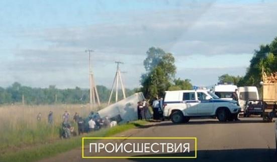 Автозак с заключенными попал в ДТП на трассе в Приморье