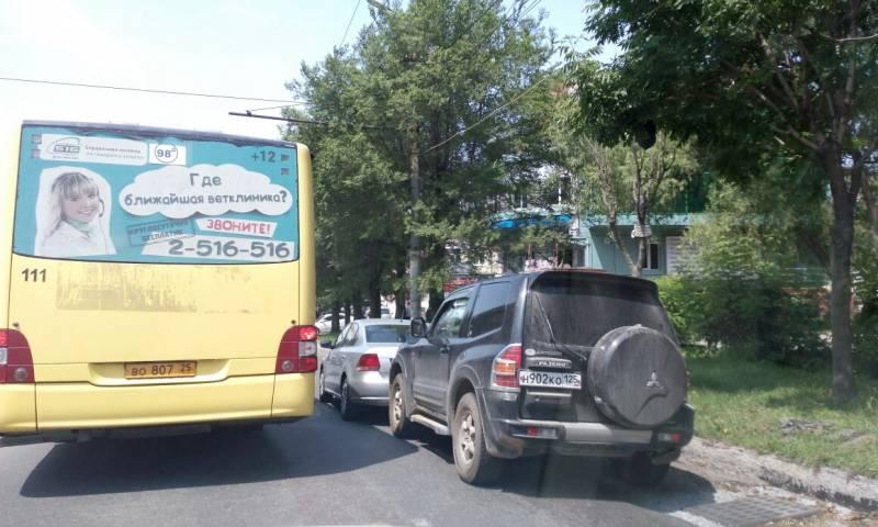 ДТП блокировало улицу Русскую во Владивостоке