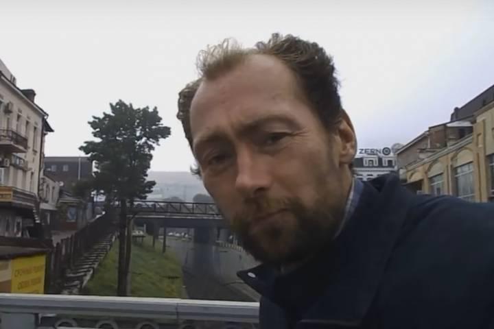 Человек-«достопримечательность» Владивостока Семен стал видеоблогером