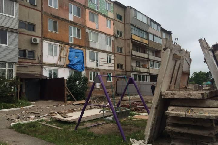 Не все жители аварийного дома в Уссурийске вернулись в свои квартиры