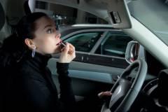 Дамочка на внедорожнике поспорила с водителем фуры во Владивостоке
