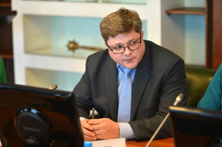 Губернатор Приморья отстранил от должности директора департамента градостроительства