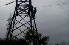 В поселке Кировском почти во всех домах восстановлено электроснабжение