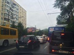 Сломанный светофор привел к коллапсу на Второй Речке во Владивостоке