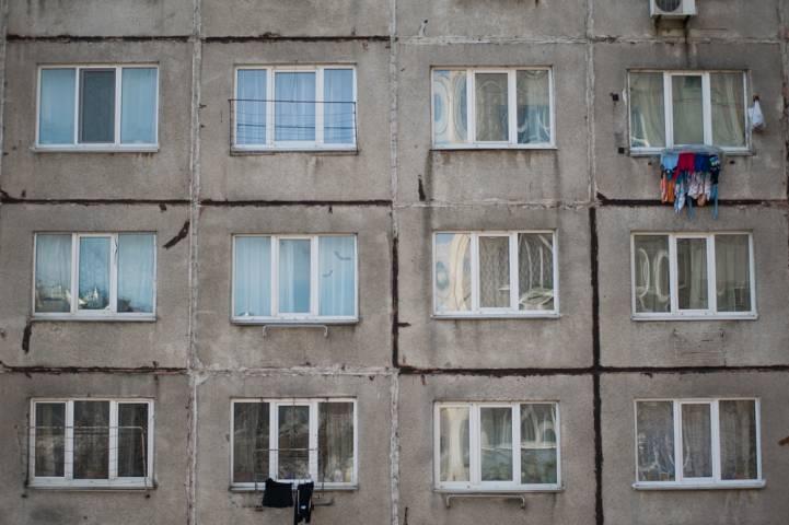 Один из домов во Владивостоке «тонет» после каждого дождя