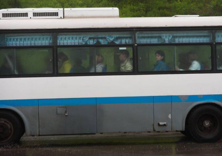Вооруженный ножом мужчина напал на водителя автобуса в районе ДВФУ