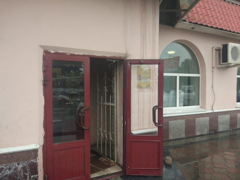 В Приморье магазин и парикмахерская приостановили свою деятельность из-за долгов по ЖКХ