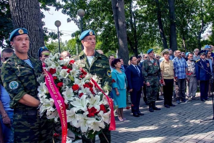 День ВДВ во Владивостоке начнется с автопробега