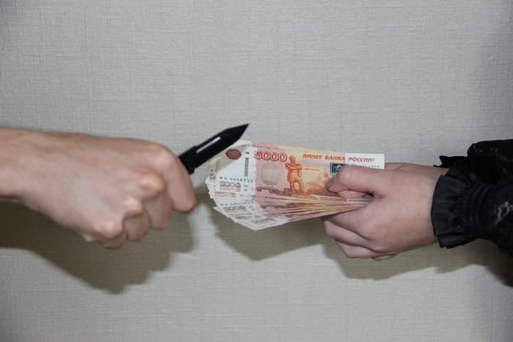 Работница почты в Приморье инсценировала ограбление