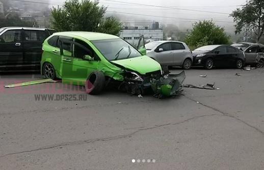 Массовое ДТП произошло ранним утром во Владивостоке