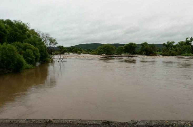 В Приморье устраняют последствия циклона