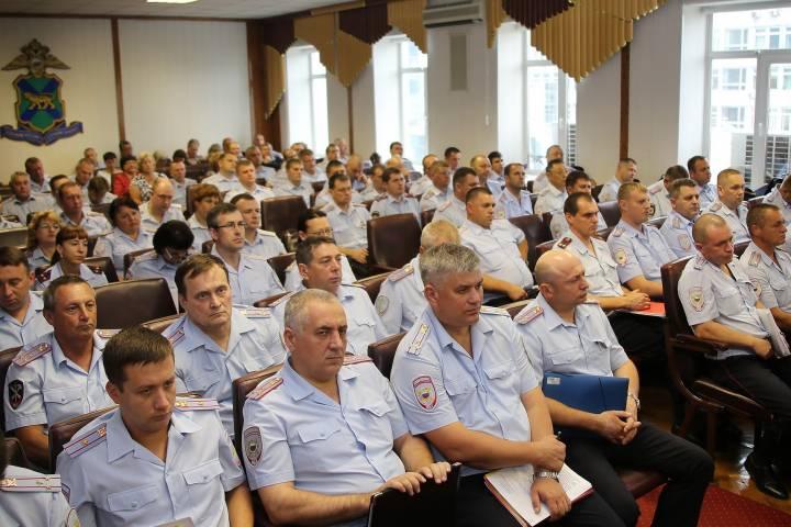 Около 10 тысяч преступлений раскрыли приморские полицейские за полгода