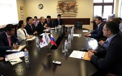Мэр Пусана Со Бенсу посетил ВМТП с рабочим визитом