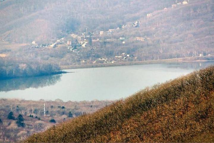 Власти Владивостока предупредили о возможном сбросе воды из водохранилищ