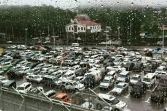 У студента Дальрыбвтуза угнали дорогой автомобиль с парковки «Седанки-Сити»