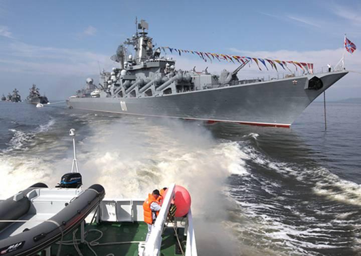 ТОФ готовит корабли к морскому параду в честь Дня ВМФ России