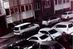 В Приморье ищут поджигателя авто, который «засветился» на видео