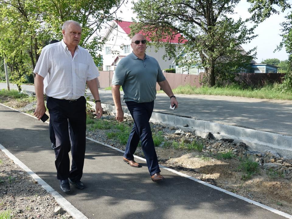 Комплексная реконструкция дорог продолжается в поселке Трудовое