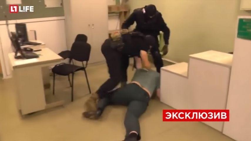 Задержание главного инспектора ФТС в Приморье попало на видео