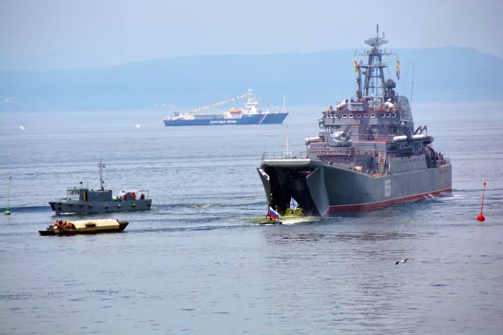 Во Владивосток на празднование Дня ВМФ приехали военные из Ирана, Китая и Венесуэлы