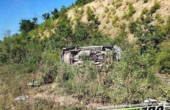 В Приморье автомобиль перевернулся на популярной трассе