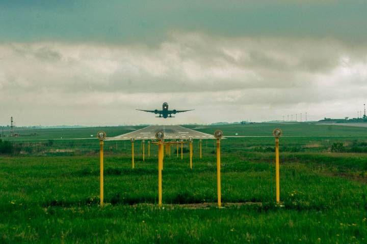 Авиакомпания «Грозный Авиа» отменила рейсы во Владивосток