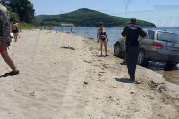 Озвучены подробности ДТП с детьми на пляже в Приморье